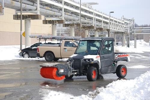 neave-group-outdoor-solutions-snow-broom