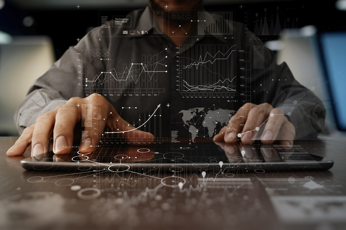 How artificial intelligence and landscape business management software work together.